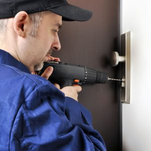 fit your own lock get a locksmith instead